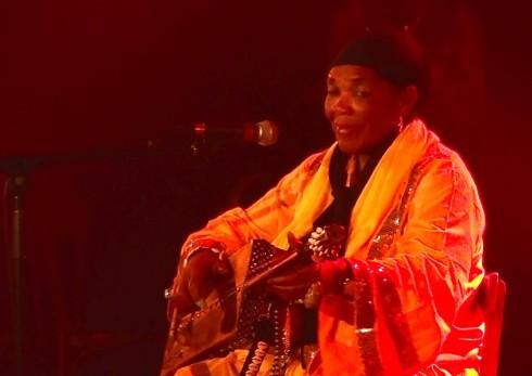 HASNA EL BECHARIA au Festival International Nuits d'Afrique à Montréal Photo Jacqueline Mallette