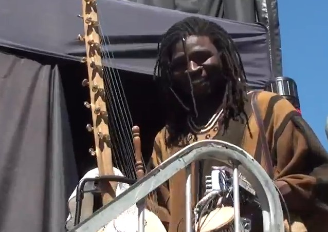 Lasso, sortie de scène au Festival International Nuits d'Afrique