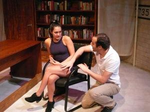 Unseamly - critique, théâtre, harcèlement sexuel, femmes au travail, président, Crédit Photo Brian Morel
